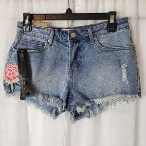 NWT Angel Kiss Denim Short Shorts  Size 7    a